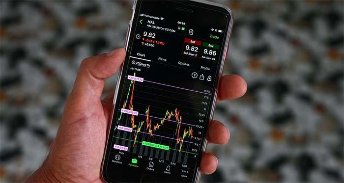 Hur kan man lära sig om aktier?